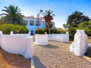 Cozy 2 bedroom Es Castell Condo with Internet Access - Es Castell vacation rentals