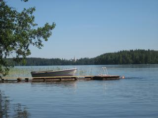 Puumerkki, a typical Finnish cottage, sauna and boat ... - Karjalohja vacation rentals