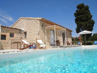 Holiday Villa Menfi Scicli, sun, sea & the history - Scicli vacation rentals