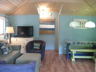 Beautiful 2 bedroom Cottage in Sauble Beach - Sauble Beach vacation rentals