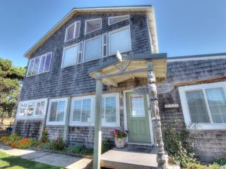 Oceanside Home - Stunning Ocean View! - Yachats vacation rentals