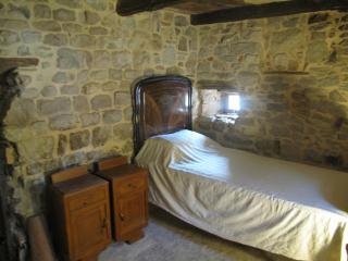 Italian Farmhouse - between Bologna & Florence - Tole vacation rentals