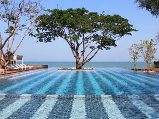 2 BR Beach front condo at Hua Hin with Pool view - Cha-am vacation rentals
