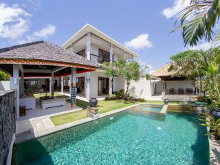 Villa Seratus luxury 3 Bedroom villa with 50m pool - Ungasan vacation rentals