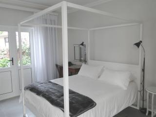 Room with terrace - George vacation rentals