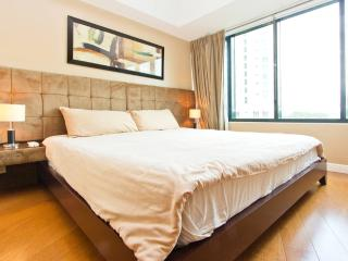 1BR Loft Apartment OneRockwell East - Makati vacation rentals