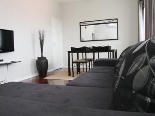 Cozy 2 bedroom Apartment in Maputo with Short Breaks Allowed - Maputo vacation rentals