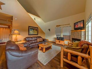 Cozy Cabin in Roslyn Ridge!  Slps 8 | Fall Specials | WiFi - Ronald vacation rentals