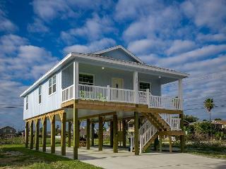 Sunny & New Port Aransas Stilt Home – 3 Minutes from Downtown - Port Aransas vacation rentals