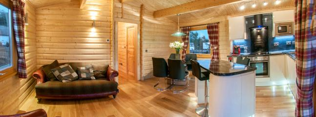 Perfect 2 bedroom Chalet in Longtown with Deck - Longtown vacation rentals