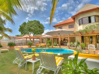 Great for Family & Golf Groups, Butler & Maid Service Swimming Pool, Beach Club - Altos Dechavon vacation rentals