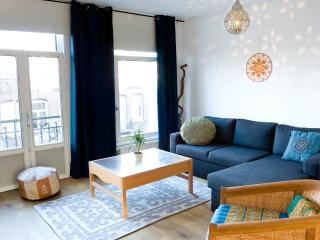 SPACIOUS 2-BR apartment for 4, PERFECT location! - Amsterdam vacation rentals