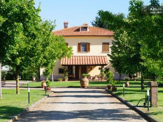 4 bedroom Villa with Internet Access in Arezzo - Arezzo vacation rentals