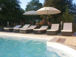 Nice Gite with Internet Access and A/C - Les Eglisottes-Et-Chalaures vacation rentals