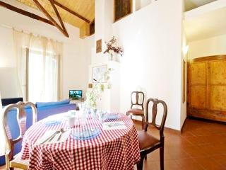 2 bdrms 1/5 ppl next to Metro & Vatican Jubilee - Rome vacation rentals