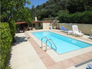 Bright 3 bedroom Saint-Andre-de-la-Roche Villa with Washing Machine - Saint-Andre-de-la-Roche vacation rentals
