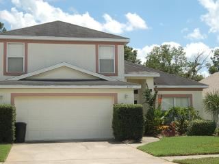 4912 4 bed 2.5 bath private pool near Disney and 192 - Kissimmee vacation rentals
