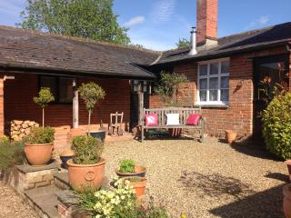 Charming Cottage with Internet Access and Television - Stonham Aspal vacation rentals