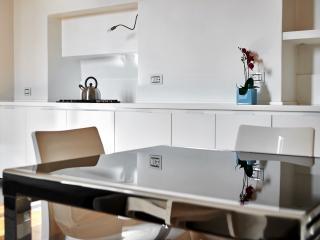 Colle Aperto - bilocale - Bergamo Province vacation rentals
