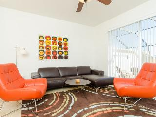 Contemporary Living | Luxurious Townhome Close to Clubhouse - Four Corners vacation rentals