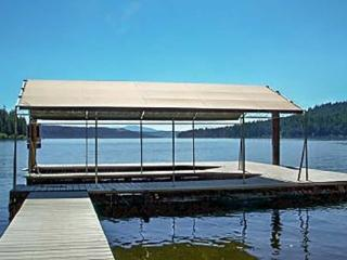 Sun Up Bay Lodge | Large 5 bedroom home with private beach and 2 boat slips - Worley vacation rentals