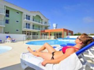 Grande Plage 2P4 - St Gilles Croix de Vie - Western Loire vacation rentals