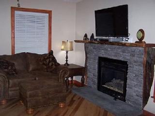 'Deer Ridge' - Relaxing Cabin With Stream - Beech Mountain vacation rentals