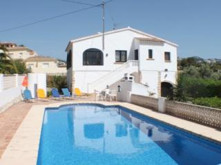 Flandes - traditionally furnished detached villa with peaceful surroundings in Benissa - Benissa vacation rentals
