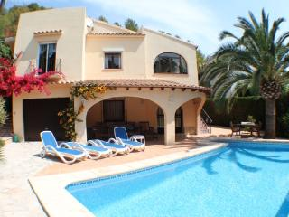 Sola - pretty holiday property with garden and private pool in Moraira - Moraira vacation rentals