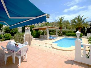 Kathrin - beautiful little house in pretty grounds with lovely views in Benissa - Moraira vacation rentals