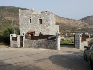 Beautiful 2 bedroom Cottage in Peloponnese with A/C - Peloponnese vacation rentals