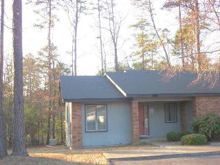 2 bedroom House with Shared Outdoor Pool in Hot Springs Village - Hot Springs Village vacation rentals