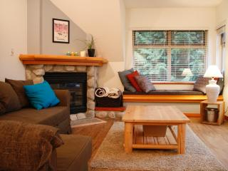Modern Ski in Ski Out with pool /hottub - Whistler vacation rentals