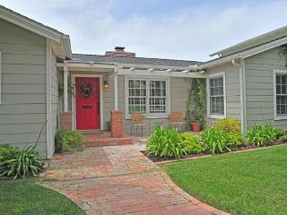 Bike or walk to shops, country club, and the beach! - La Jolla vacation rentals