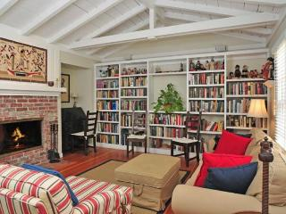 Cozy home w/large library & office! Bike or walk to shops, eateries & the beach! - La Jolla vacation rentals