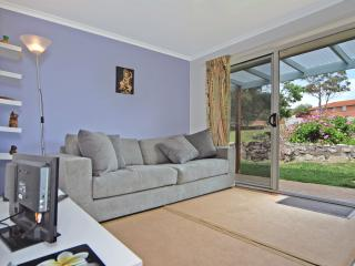 "Marazul ""Best Deal"" Jervis Bay, Vincentia - Vincentia vacation rentals"