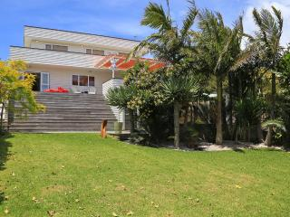 WAIHEKE WHITE HOUSE - Auckland vacation rentals