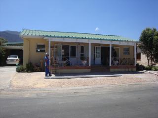 Leausre By The Sea, Kleinmond, Wesern Cape - Kleinmond vacation rentals