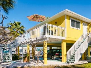 Canary Cottage- 317 Magnolia Ave, Anna Maria - Anna Maria vacation rentals