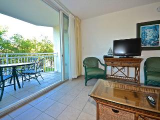 Cozy beach condo with pool and hot tub access! - Key West vacation rentals