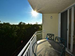 CURACAO SUITE #202 - 2/2 Condo w/ Pool & Hot Tub - Near Smathers Beach - Cudjoe Key vacation rentals