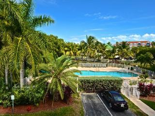 Grenada Suite #209 - 2/2 Condo w/ Pool & Hot Tub - Pvt Parking - Key West vacation rentals