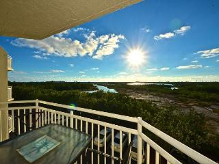Panama Suite #310 - 2/2 Condo w/ Pool & Hot Tub - Sunset View - Key West vacation rentals