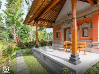 Beautiful 1 bedroom Bed and Breakfast in Sidemen - Sidemen vacation rentals
