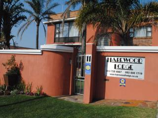 Lovely 2 bedroom Bed and Breakfast in East London with Internet Access - East London vacation rentals