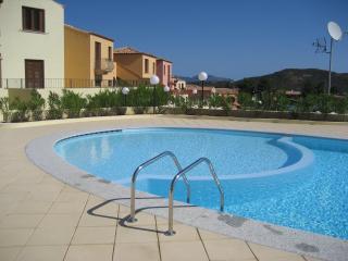 Murta Maria casa vicino al mare con piscina - Murta Maria vacation rentals