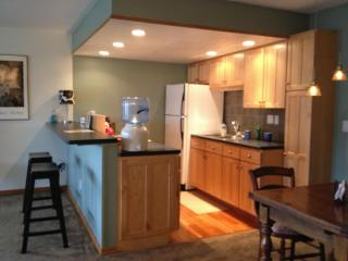 Clean, newly presented, nice finish - Front Range Colorado vacation rentals