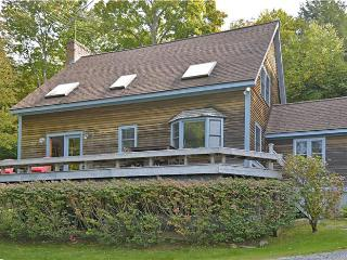 Bright 4 bedroom House in Stowe with Deck - Stowe vacation rentals