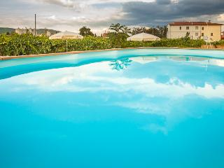 Little Love Nest in Tuscany Wifi Pool, Cappannelle - Castiglion Fibocchi vacation rentals