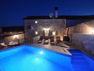 Luxury Istrian Villa, private modern swimming pool - Brajkovici vacation rentals